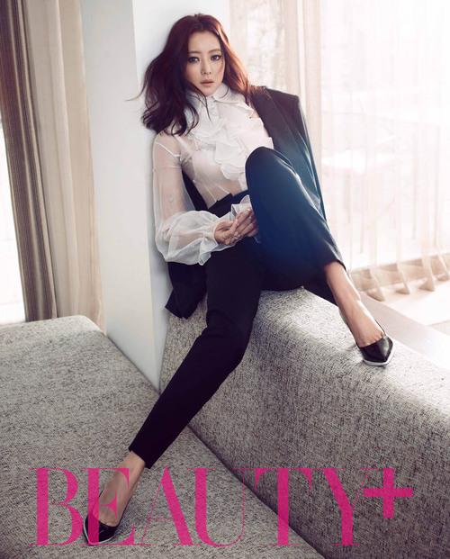 Kim Hee Sun pour W Magazine