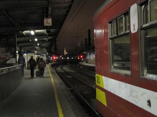 Départ d'un train en gare de B.