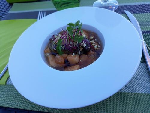 tranche de foie gras poêlée, melon aux épices du monde