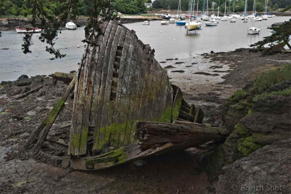 Porz an Halen, Trégunc, le cimetière à bateaux