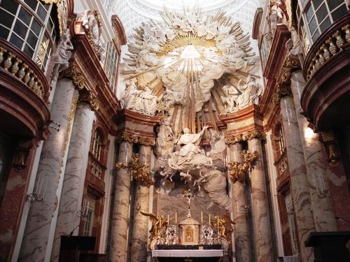 Autour de l'Eglise St Zarles et du Belvédère à Vienne (photos)