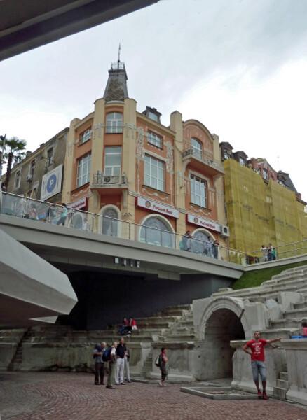 Jour 8 - Plovdiv - Bel immeuble vu du stade