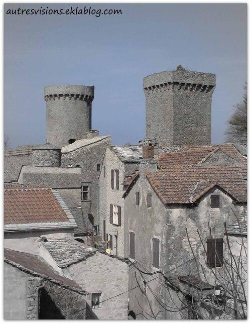 Les tours de la Couvertoirade