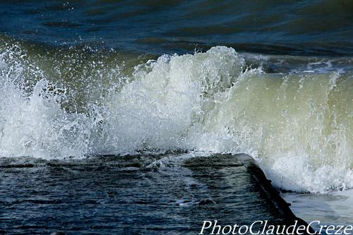 Les vagues et l'écume