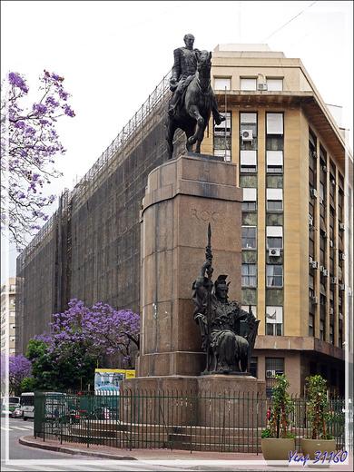 Comme quoi à chacun ses héros : monument à la gloire de Roca, général génocidaire des Mapuche, peuple indigène de Patagonie - Buenos Aires - Argentine