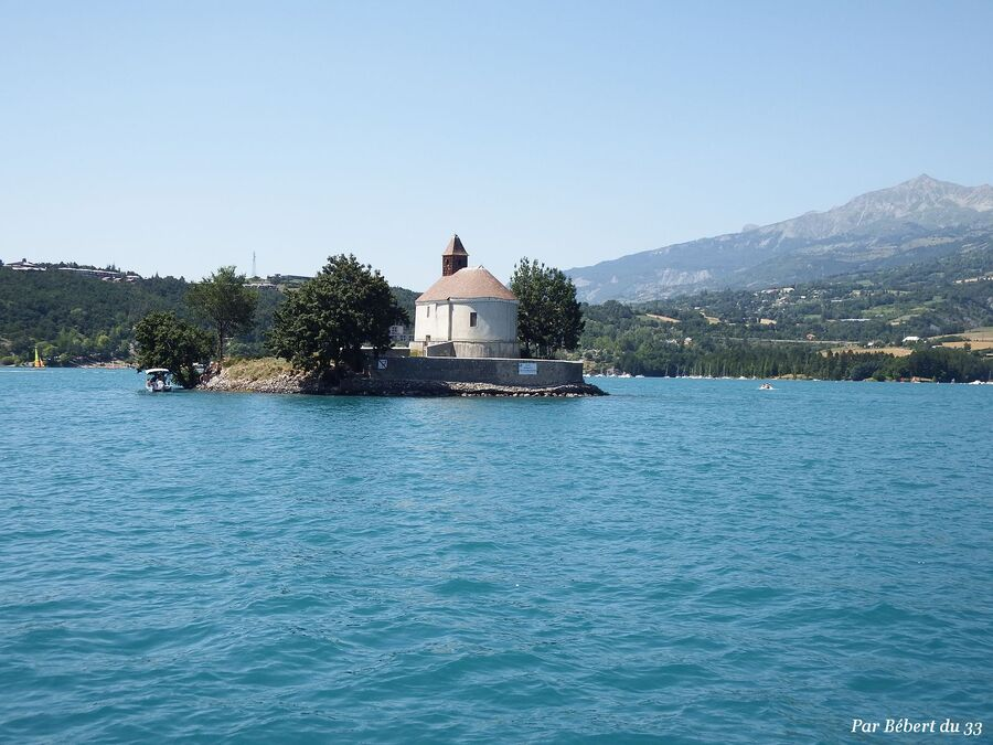 Savines le lac dept 05 (2)