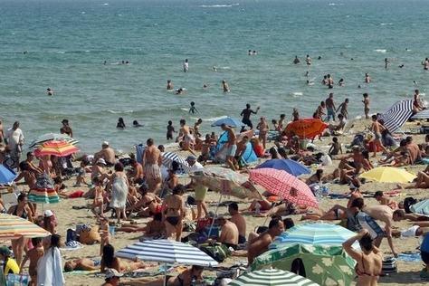 40% des Français prévoient des vacances d'été, et surtout en France