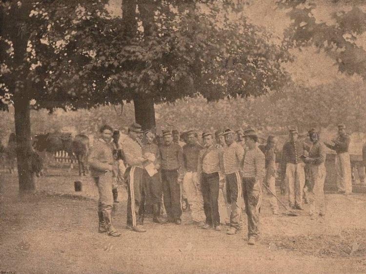 Commune de Paris 1871. Jardin du Luxembourg. Cavalerie Versaillaise