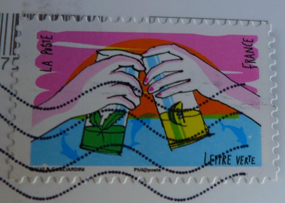 De jolies cartes postales et un livre dans ma boite aux lettres...