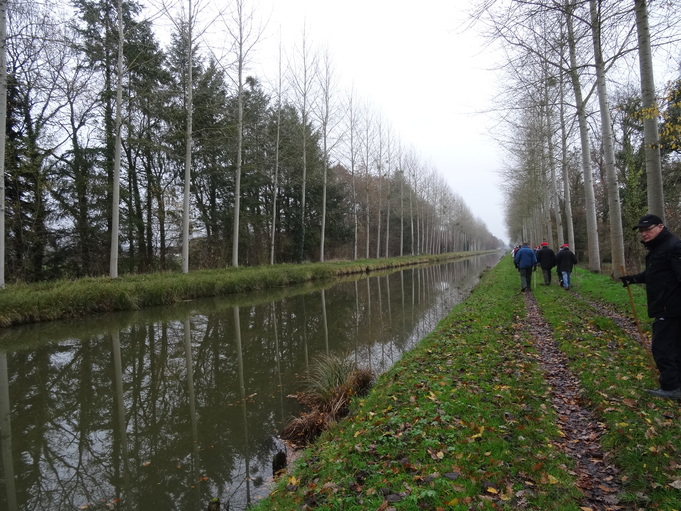le long du canal du berry