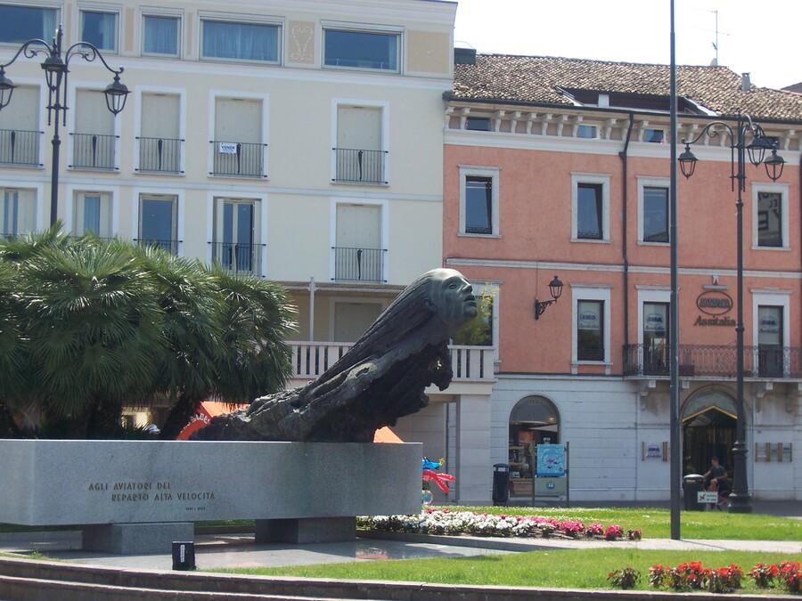 LE    LAC   DE    GARDE    EN    ITALIE