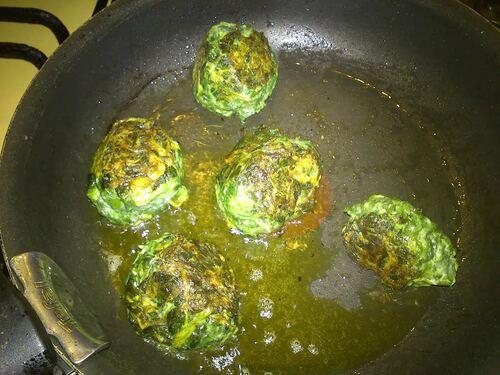 Comme un kébab totalement végétarien et à inspiration indienne ^^(Naan cheese, boulettes épinards chèvre et tofu au curry)