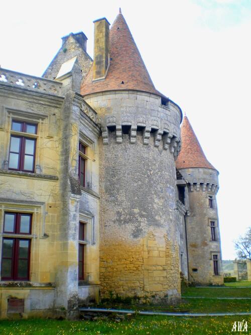 Chateau inconnu en Dordogne,sur le route de Marsac