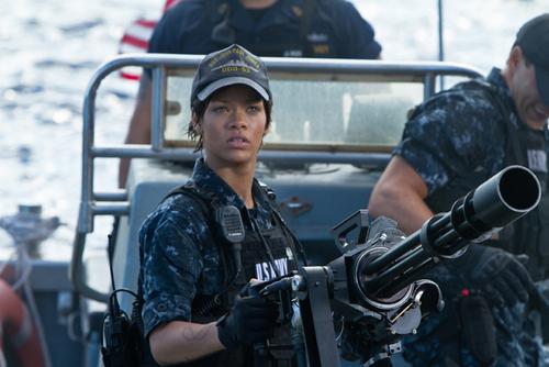 Première photo officiel de Rihanna dans Battleship