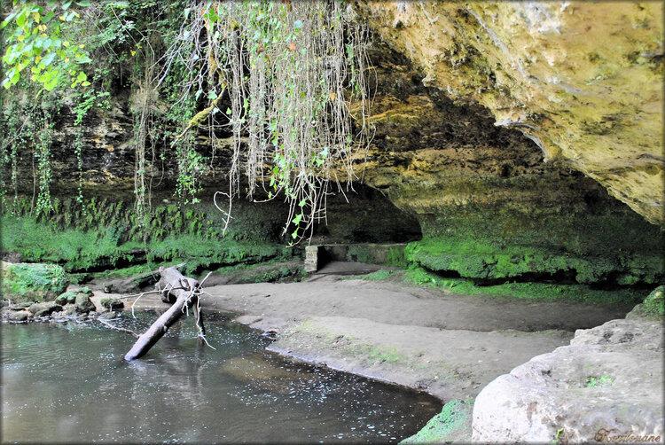 Photo Grotte de la Reine Margot (Château de Cazeneuve)