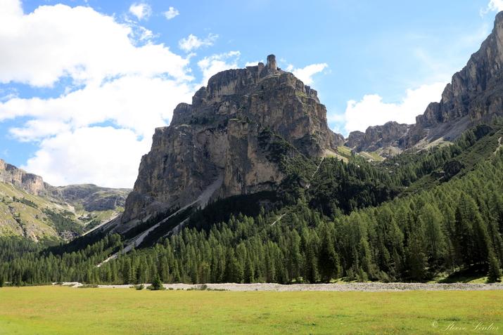 Trek dans les Dolomites, canyon de Vallunga, Italie