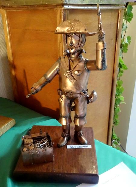Gérard Siomkos, sculpteur de laiton et cuivre, a exposé au Salon d'Automne de Chamesson