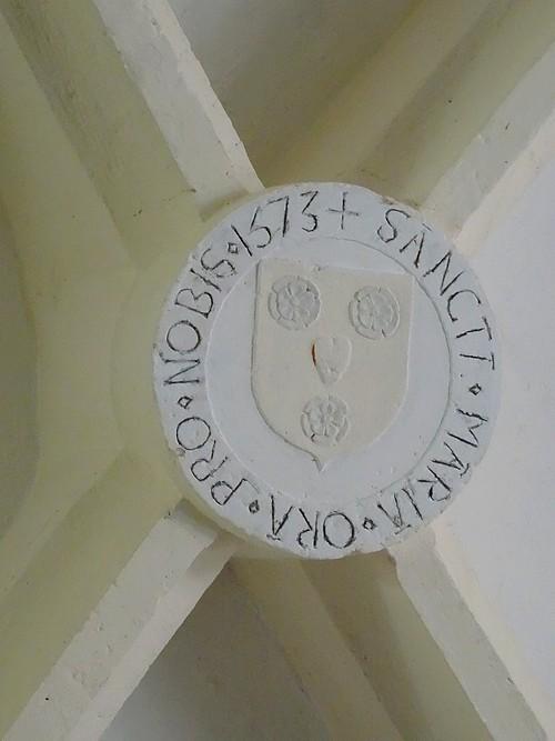 Des clés de voûte originales dans des églises châtillonnaises...