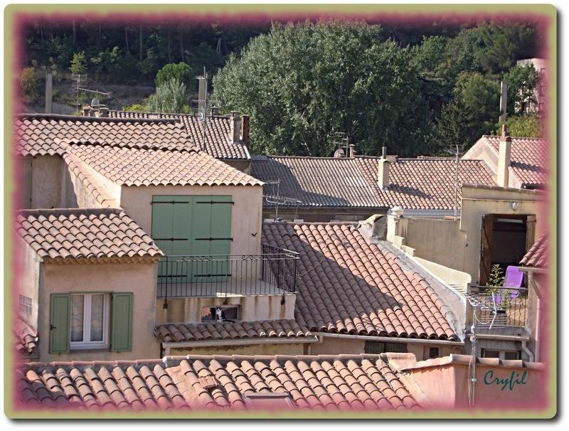 Jolie petite ville de Provence (2)