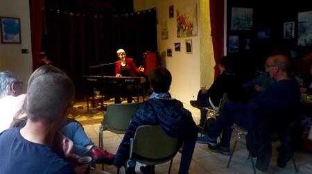 Au café-théâtre La Causerie au Havre, vendredi 10 mai...