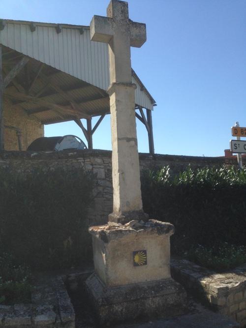 Croix avec indication jacquaire aux environs de Traversais