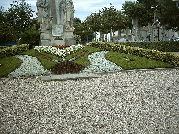 magnifique-massif-statue1906.jpg
