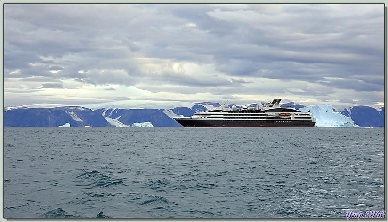Départ en Zodiac pour aller visiter Qaanaaq - Groenland