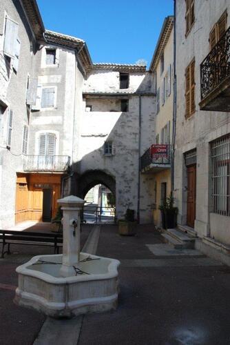 Place à Villeneuve le Beg