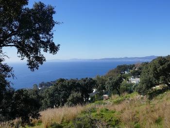 La Baie de Saint-Raphaël. Tout au fond, la presqu'île de Saint-Tropez