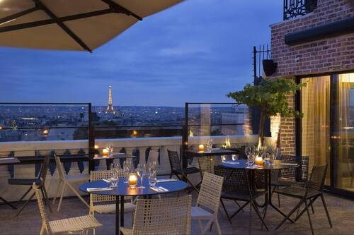 PARIS EVENING WALKING TOUR, BEAUTIFUL BARS AND CAFES  (Voyages)