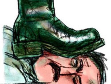 totalitarisme-chaussures-copie-1.jpg