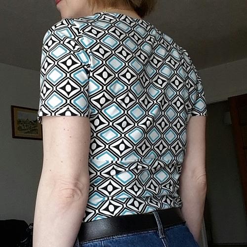Coudre un T-shirt cache-coeur Lucette