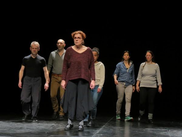 """La compagnie """"La Lunette-Théâtre"""", en résidence de création au Théâtre Gaston Bernard, a répété son futur spectacle  """"Cortège(s)"""""""