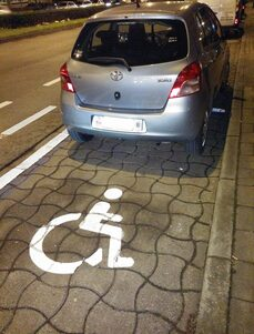 Wolu1200 : Si tu prends ma place, n'oublie pas aussi de prendre mon handicap... même à moitié !!!