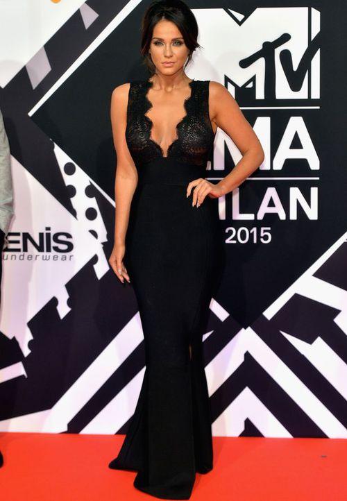Les robes noires, une tendance indémodable en 2015