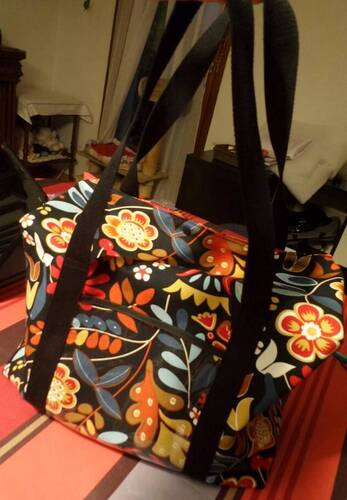 Coudre un sac original pour machine à coudre - le 2ème !!!