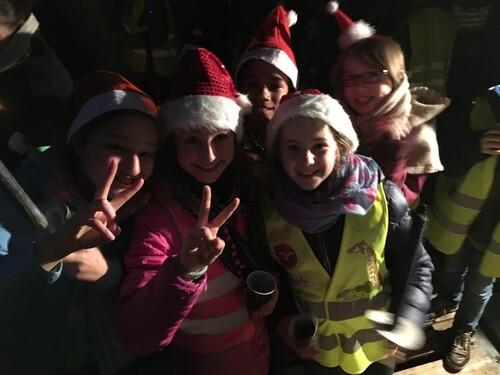 Marche aux flambeaux de Noël