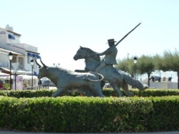 292-statue a sainte marie de la mer