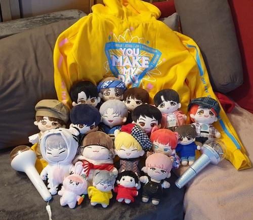Ma famille de kpop dolls  </div><br /><a href=