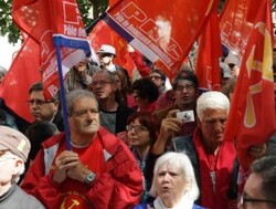30 mai 2015-Discours de G. Gastaud au rassemblement contre l'UE à Paris (Vidéo)