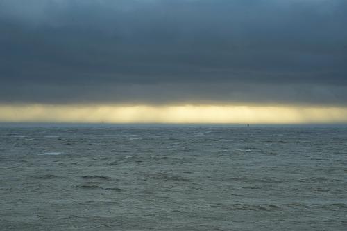 Ciel de tempête au couchant ...