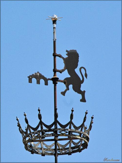 Photo de la porte d'entrée du château de Cazeneuve