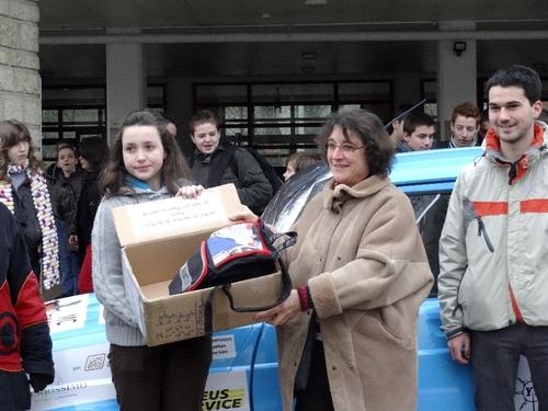 Les élèves du Collège Fontaine des Ducs, à Châtillon sur Seine, ont soutenu le projet du Raid 4L Trophy...