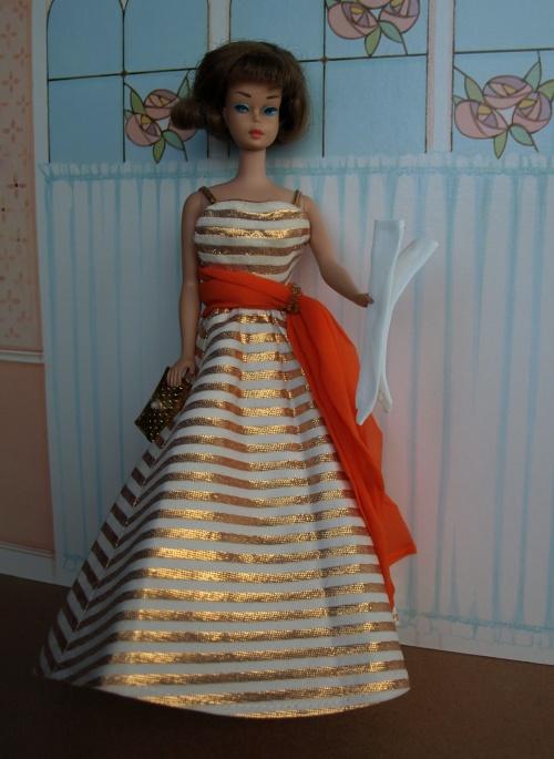 Vintage Barbie : American Girl Sidepart - Holiday Dance