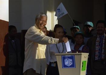 • Nelson Mandela :  la mort d'un géant