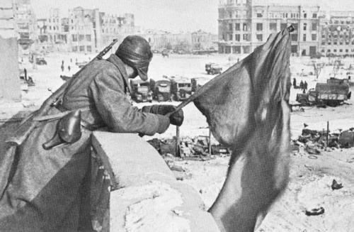 19430207-USSRStalingradVictoryDay.jpg