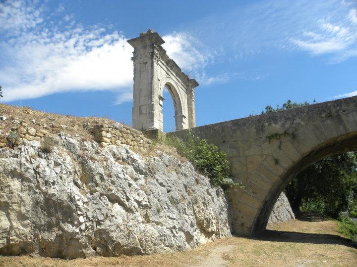 Saint-Chamas et son pont Flavien
