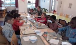 Petit déjeuner à l'école par les CPb