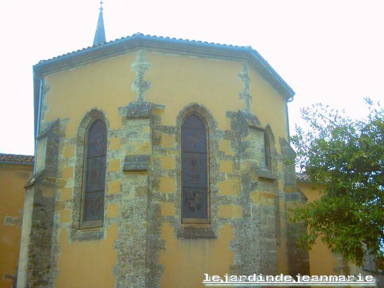 Église Saint-Germain a Auros (gironde) une très belle èglise