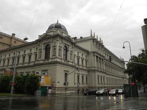Autour du Parlement et  du rathaus à Vienne en Autriçe (photos)